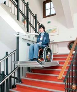 simo plataforma elevatoria para escadas interiores retas
